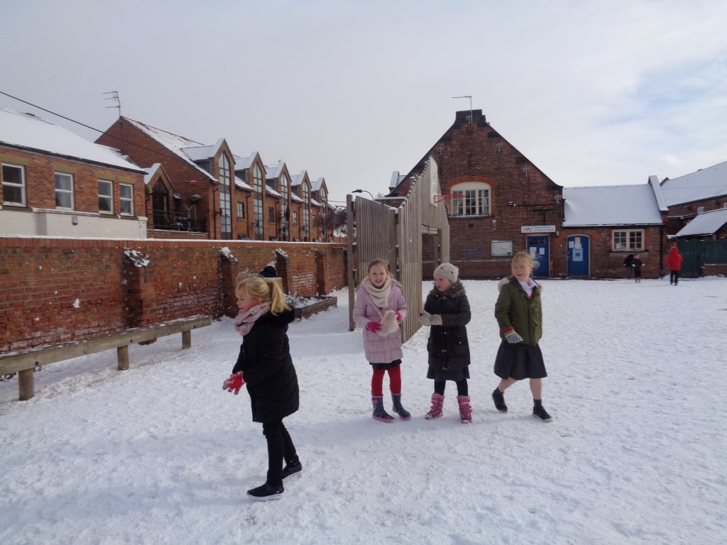 Snow Fun  (3)