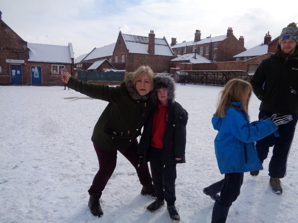Snow Fun  (5)