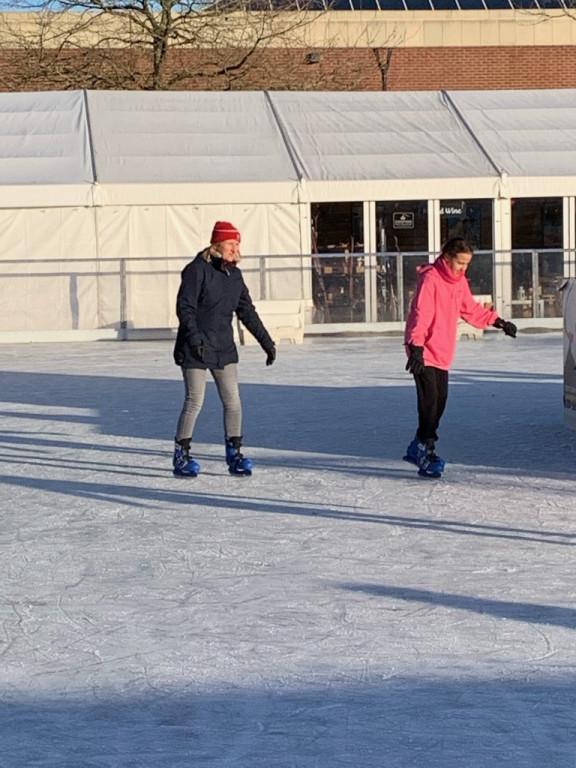 Ice_Skating-5