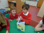 Y6 sharing their French books with Y1